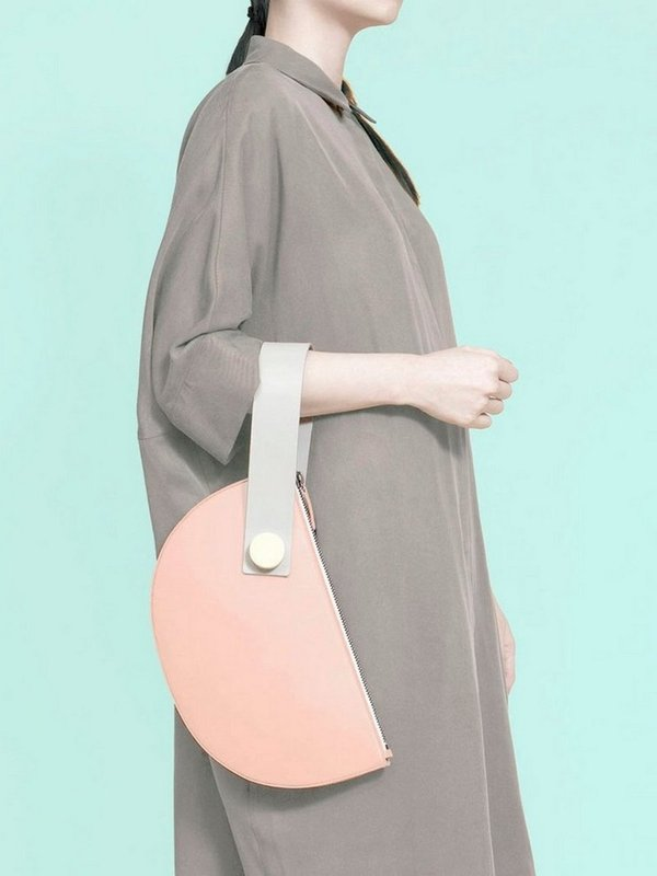 더 조엘르 | MatterMatters - [MATTER MATTERS] 홍콩인기 클러치백  - Half Moon Clutch Blush/LIght Grey