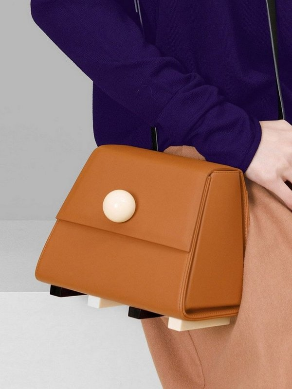 더 조엘르 | MatterMatters - [MATTER MATTERS] 홍콩인기 숄더백 - Mini Trapezoid Shoulder Bag Brown