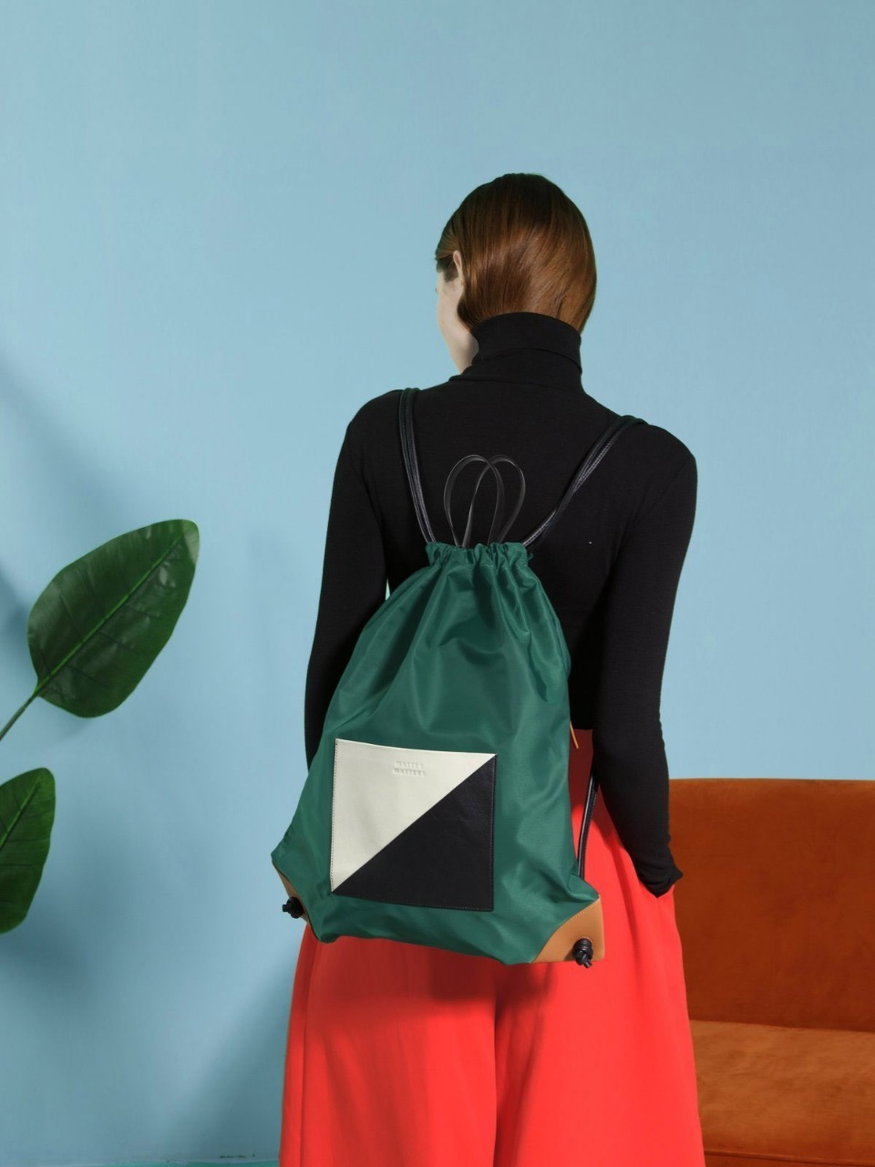 더 조엘르 | MatterMatters - [MATTER MATTERS] THE SQUARE - DRAWSTRIG BACKPACK • GREEN