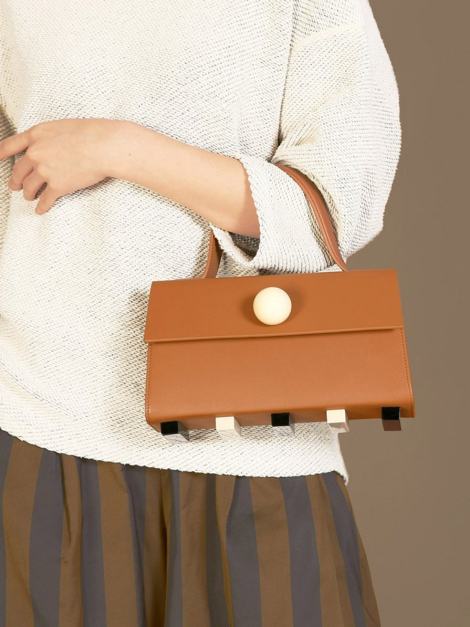 더 조엘르 | MatterMatters - [MATTER MATTERS] MINI TRAPEZOID SATCHEL BAG • BROWN WITH STRAP