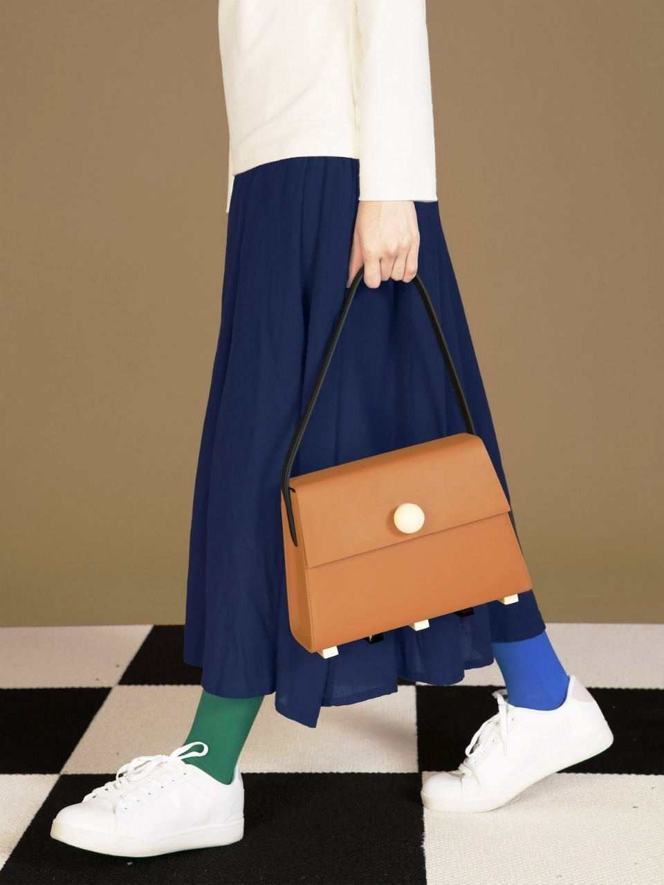 더 조엘르 | MatterMatters - [MATTER MATTERS] LONG TRAPEZOID SATCHEL BAG • BROWN WITH TOP HANDLE